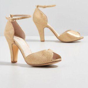 Chelsea Crew VTG Inspired Lola Gold Heeled Sandal